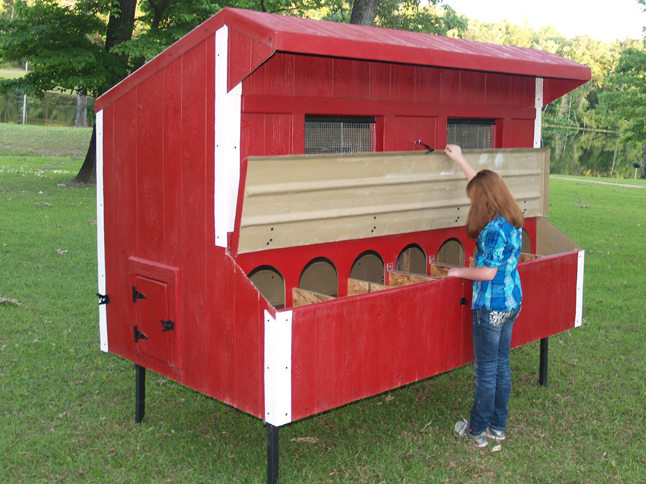 Eggstreme chicken coops 8 x 5 traditional fiberglass